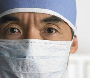 Medico perplesso psoriasi