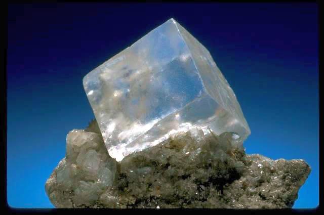 Il sale naturale nella filosofia e nella metafisica